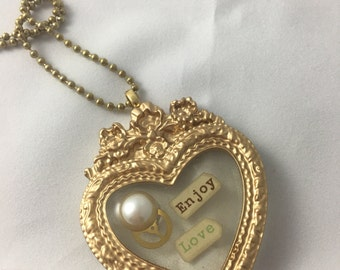 Victorian Heart Frame Necklace