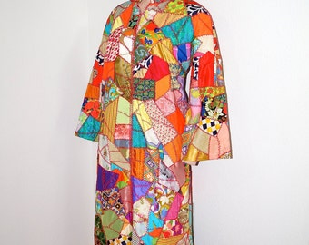 Vintage 60s 70s Patchwork Quilt Coat / Full Length Crazy Quilt Kimono Robe / 1970s Bohemian Folk Art Quilt Dress / 1970s Psychedelic Coat