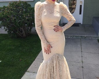 Vintage 70s lace beige mermaid wedding dress gown