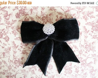 ON SALE Rhinestone Brooch with Velvet Bow / Black velvet Brooch / Vintage velvet bow