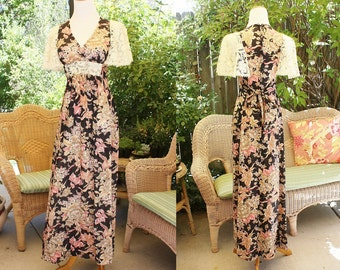 1970's Floral And Lace Maxi Dress Size 5 Vintage REero 70's Black Pink Tan Ivory Flutter Sleeves Hipster