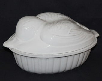 West Germany White Duck Casserole Dish with Lid  (373)