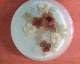 Vintage Acrylic Dried Flowers in Green Resin - Jeanne Ocker - Mid Century Trivet