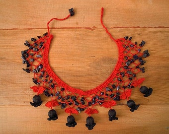 Crochet bib necklace, red black tulip