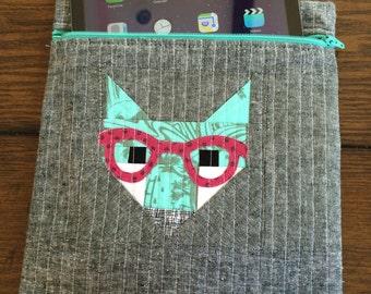 Hipster Fox iPad zipper pouch