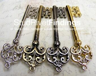 5 pcs  Vintage Key Charm pendants pewter