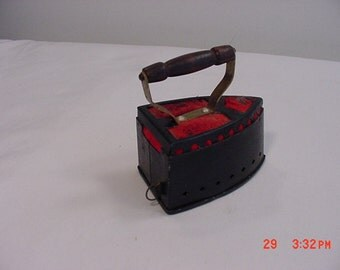 Vintage Sad Iron Sewing Tape Measure & Pin Cushion  16 - 136