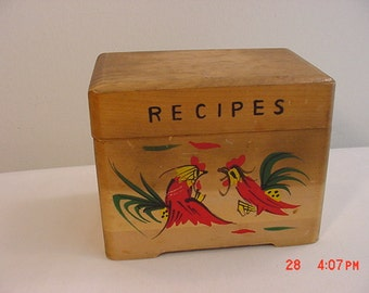 Vintage Wood Recipe Box With Roosters   16 - 245