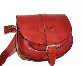 GoldmannS--Leather Saddle Bag // Leather Purse - Cross body bag - Leather Messenger in red