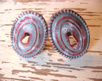 2 Keyhole Knobs Oval Steampunk Drawer Pulls Chippy Aged Custom in Gray, Red, and White Cabinet Pull B-17