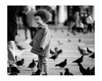 """Fine Art Black & White Venice Photography of Little Girl in Piazza San Marco With Pigeons - """"Curly Top in San Marco"""" - 10x8 Print"""