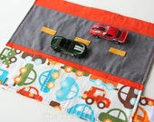 Car Caddy w/ Road Play Mat - Traffic - (Holds 5 Toy Cars)