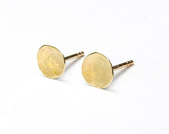 Solid gold Earrings, Gold Stud Earring. Stud Earrings. 14k gold Earrings,Gold Stud Earrings,Anniversary earrings, gift for her, Gift idea
