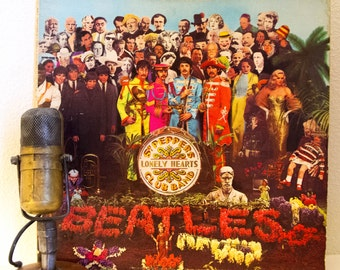 "ON SALE The Beatles Vinyl Record Album 1960s British Pop Classic Rock and Roll Art ""Sgt. Pepper's Lonely Hearts Club Band"" (1976 Capitol Re-"
