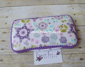 READY TO SHIP, Purple Flowers, Travel Baby Wipe Case, Diaper Wipe Case, Baby Shower Gift, Wipe Holder, Wipecase, Wipey Case, Diaper Bag
