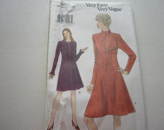 Pattern Vintage Ladies Dress 2 Styles Sizes 12 to 16 Vogue 9064V
