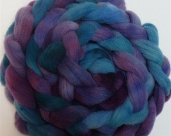 """Babydoll Wool Roving Fiber for Spinning 4 Ounce Braid Combed Top Aqua Purple Fiber  """" Mardi Gras """" (2 available)"""