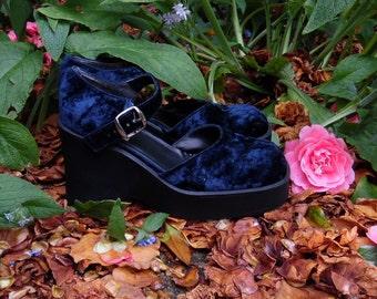 90s Blue Velvet Platform Wedges Boho Goth Soft Grunge Mary Janes Womens 9 10
