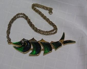 Vintage green enamel five segments gold tone fish pendant necklace