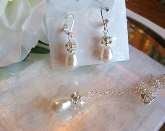 Swarovski Teardrop Crystal Pearl and Rhinestone Necklace and Earring Set/Bride or Bridesmaid Jewelry Set/Pearl Wedding Jewelry