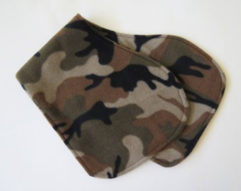 Camouflage Print baby contoured burp cloth