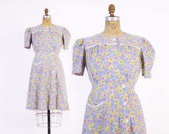 Vintage 40s Day DRESS / 1940s Floral Cotton Puff Sleeve House Dress S - M