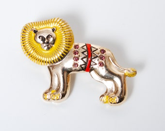 Vintage metal brooch, pins, Lion. Badge  from USSR.
