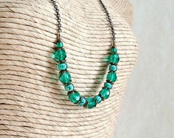 Green Necklace, Emerald Green Beaded Necklace, Brass Chain, Single Strand, Elegant Jewelry, Victorian Vintage Inspired
