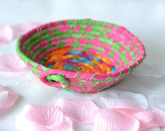 Fun Ring Basket, Handmade Funky Bowl, Itty Bitty Gift Basket, D2, Desk Paperclip Holder Decoration,  Trinket Bowl, Catchall Basket