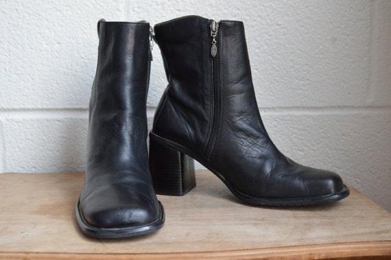 Sz 10 M Vintage Short Brown Genuine Leather 1990s Women ... |1990s Womens Boots