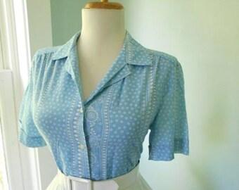 Vintage Light Blue & White Cotton 1950s 1960s Atomic Floral Print Button Down Short Sleeve Blouse