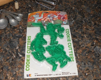 Vintage 1989 Football, Baseball, Soccer Cookie Cutter - New in the package - Made in USA