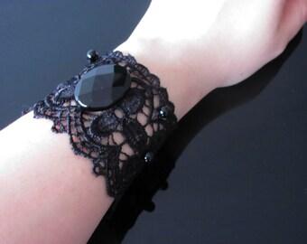 Parure Bracelet et boucles d'oreilles en dentelle, onyx et verre 'l'encre et la lumière'