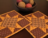 Quilted Pot Holder / Country Kitchen Pot Holder / Hot Pads / Trivets /  Mini Quilts