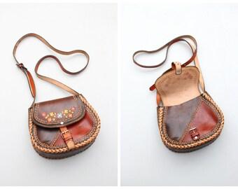 hand tooled & painted floral leather shoulder bag - 70s hippie shoulder bag / hand made boho purse / 1970s - festival bag