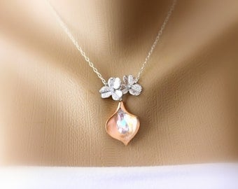 Rose Gold Calla Lily Necklace, Pendant Necklace, Chain Necklace, Charm Necklace, Two Tone Necklace, Bridal Jewelry, Modern, Mother's Day