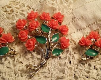 LOVELY Pin & Earring Set w/ Plastic Roses by JJ VINTAGE