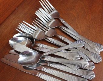 GIBSON replacement flatware vintage silverware set ridges fan pattern knife fork spoon BIN 35
