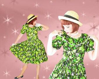 1950s Rockabilly Full Skirt Dress - 50s Vintage Big Skirt Dress - Green Floral - Kawaii