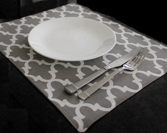 Fabric Placemat - Grey and White Quatrefoil