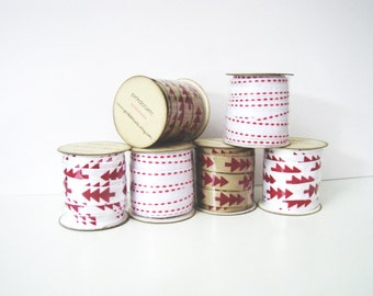 White Christmas Ribbon 3 mt - Double Red Running Stitch - For Scrapbooking, Christmas Cards and Gift Wrap - Rustic Ribbon - Shabby Christmas