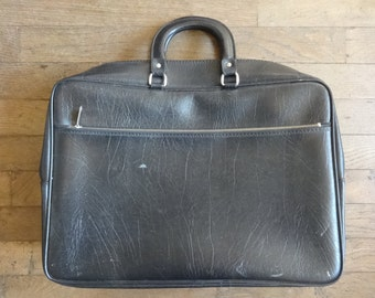 Vintage English Small Medium Black Travel Carry Case Suitcase Holdall Carrier circa 1960-70's / English Shop