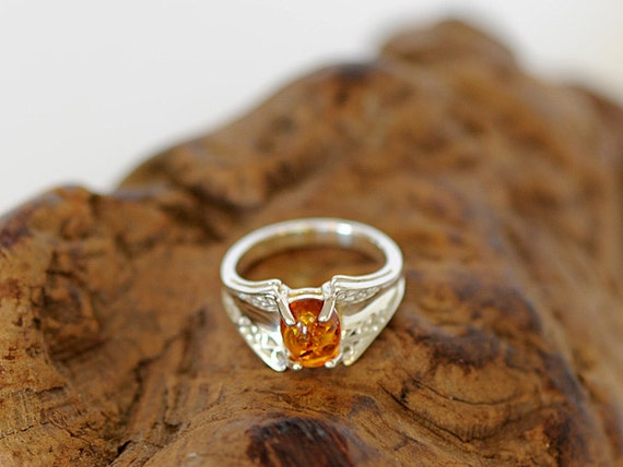 Unique Vintage Sterling Silver 925 Filigree Amber Cabochon Ring.. Size 7.5 (#70)