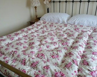 """Bedroom Decor NEW Vintage Inspired """"Milly Maroon"""" Feather Eiderdown Quilt Comforter"""