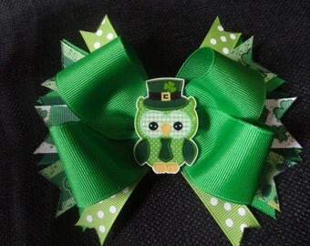 St. Patrick's day owl bow, large 5 inch hairbow