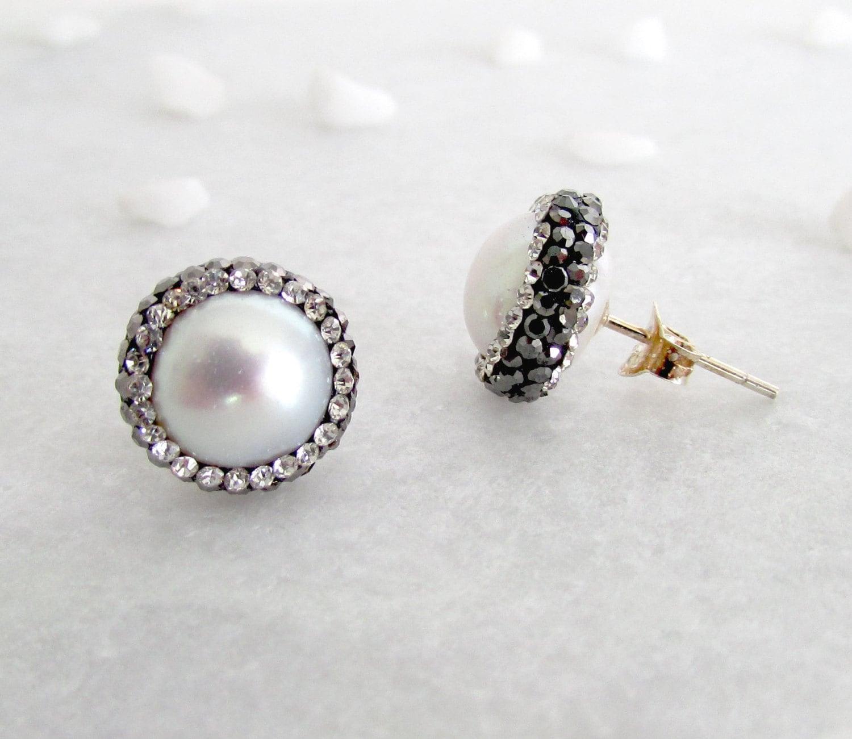 Small Pearl Ear Studs Small Earrings Tiny Earrings