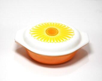 1960s Pyrex Daisy Cinderella Oval Casserole 1.5qt Sunshine Yellow Sunflower Dishes Mid Mod Vintage Corningware Apricot Orange Cookware