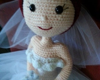 Beautiful hand made/crocheted amigurumi bride doll