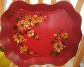 Vintage 1940s to 1960s Nashco Metal Toleware Serving Tray Platter Red/Gold Flowers Wavy Handpainted Decor