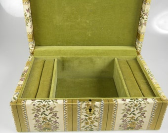 Cloth Vintage Jewelry Box - Jewelry Organizer - Olive velvet Interior - Missing Key